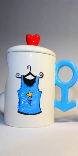 情侣qq透明皮肤 小希与阿树的爱情杯子图片